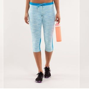 Lululemon Beach Runner Crop- Aquamarine